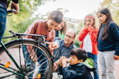 Achtung – Kinder im Straßenverkehr!